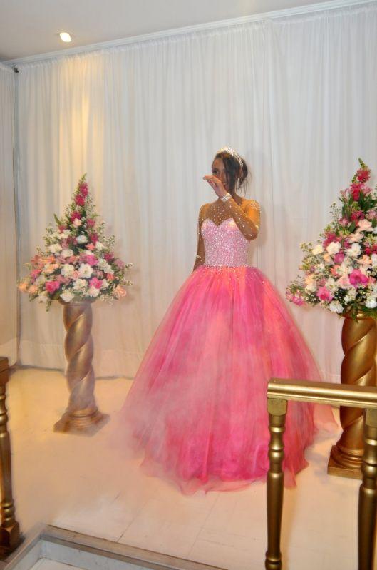 Buffet para Debutantes Barato na Bosque Maia - Salão para Festa de Debutantes